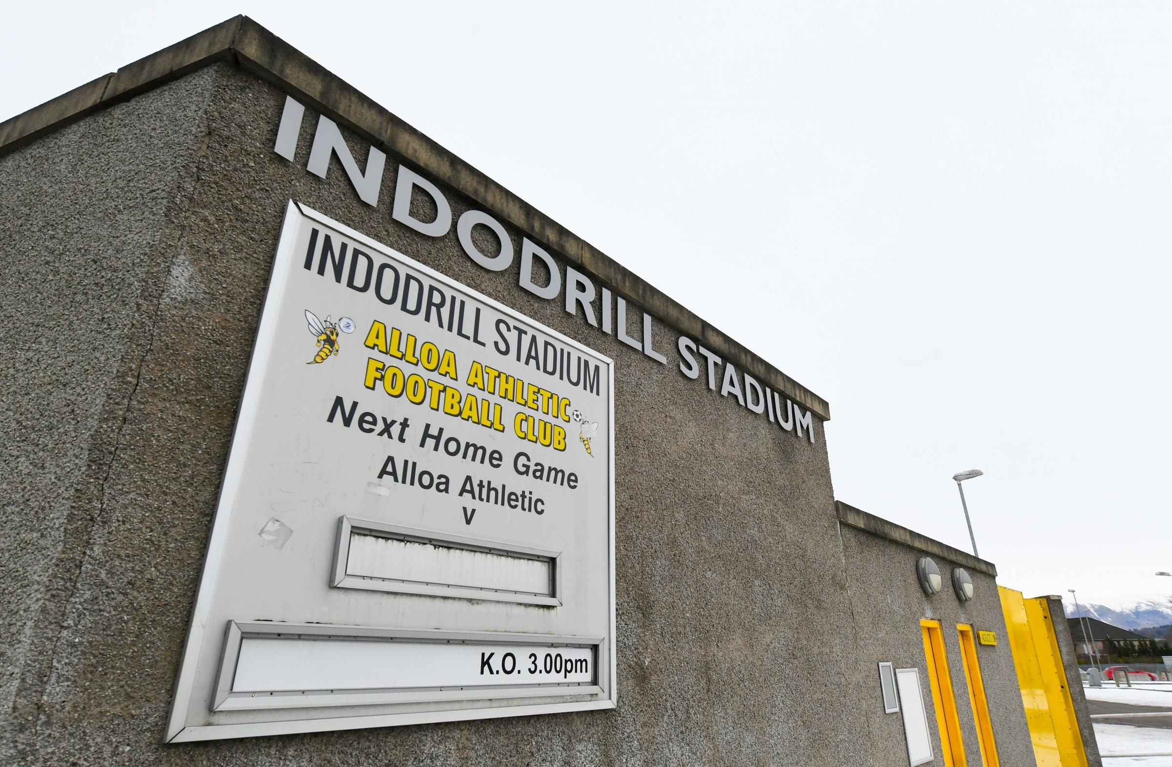 Handful of players depart managerless Alloa
