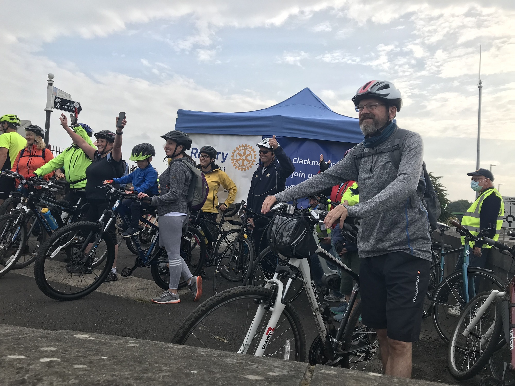 Dozens of Wee County cyclists participate in Tour de Clacks fundraiser