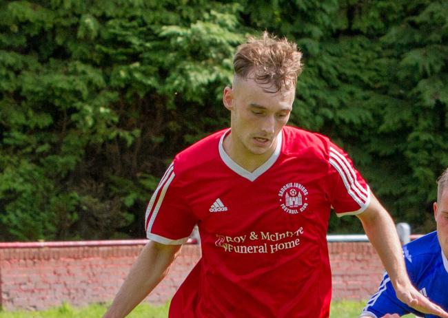 Mark Finlayson in action for Sauchie against Crossgates earlier this season. Picture by John Howie