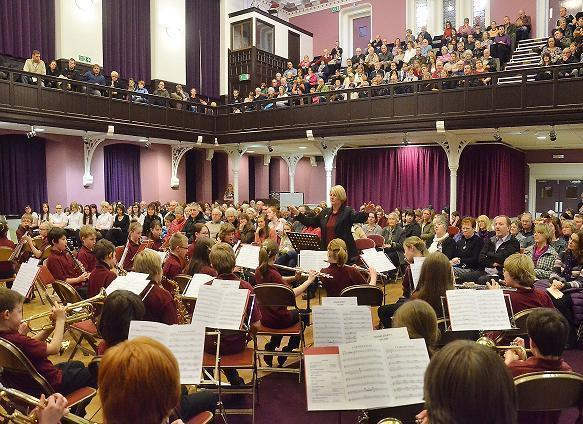HMFY in concert at Alloa Town Hall