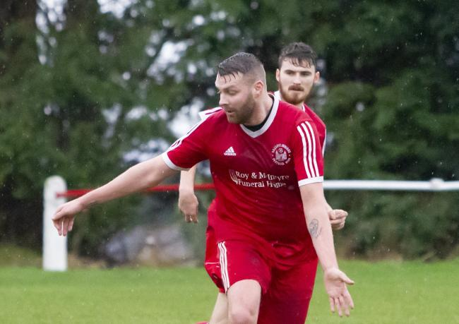 Terry Hewitt in action for Sauchie. Picture by John Howie