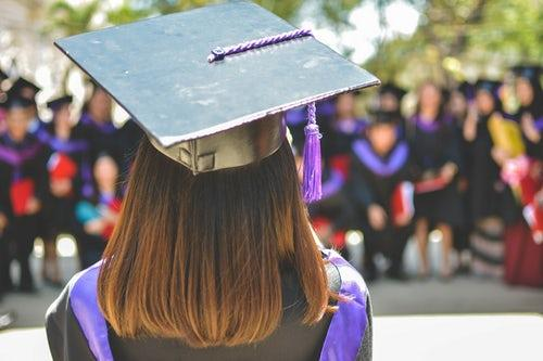 The Best Graduation Gifts for 2019. credit: Unsplash