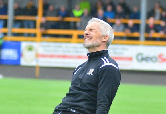 NO TIME TO DWELL: Jim Goodwin insists his players cannot afford to feel sorry for themselves as they head into this weekend's all or nothing showdown. Picture by Jan van der Merwe